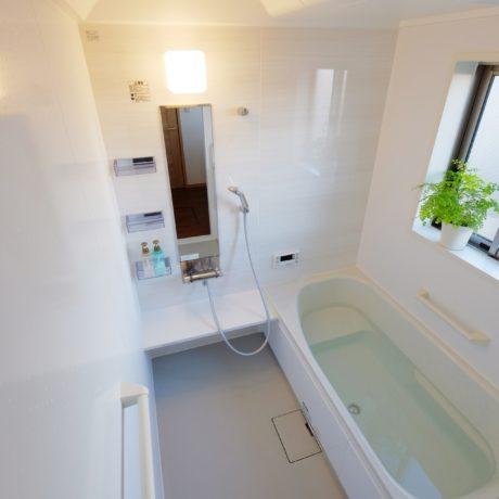 お風呂のリフォームを安く手軽に!パネル工法