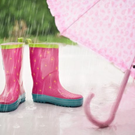 突然の雨漏り!やってはいけない危険な応急処置と適切な応急処置